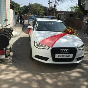 AUDI - wedding car point
